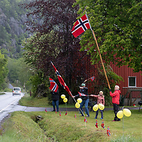 Publikum har møtt opp ved Kvelland under Tour of Norway sykkelritt etappe 2: Lyngdal - Kristiansand.