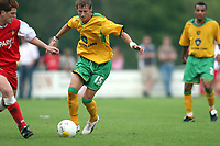 Fotbal, 16. juli 2005, Oefenwedstrijd van mvv - Norwich cityseizoen 2005-2006 voetbal. meersen 16-07-2005<br /> Youssef Safri, Norwich<br /> Norway only