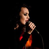 Ren Harvieu performing live at the O2 Apollo, Manchester, 2012-04-23