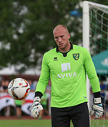 26.07.2015, Prien am Chiemsee, GER, Testspiel, FC Augsburg vs Norwich City, im Bild John Ruddy (Torwart Norwich City FC) // during the International Friendly Football Match between FC Augsburg and Norwich City in Prien am Chiemsee, Germany on 2015/07/26. EXPA Pictures © 2015, PhotoCredit: EXPA/ Eibner-Pressefoto/ Krieger<br /> <br /> *****ATTENTION - OUT of GER*****