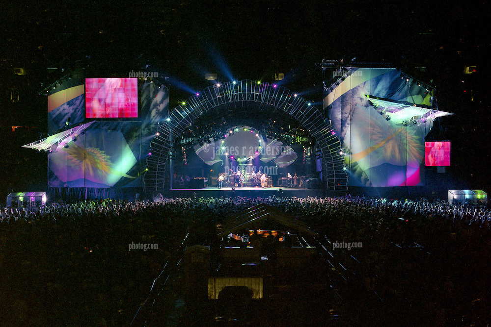 """The Grateful Dead Live at Giants Stadium 03 August 1994. Photograph taken during the song """"Crazy Fingers"""""""