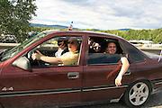 Et billass festivaldeltakere fra Malm i Nord-Trøndelag. Foto: Bente Haarstad Sommerfestivalen i Selbu er en av Norges største musikkfestivaler. Sommerfestivalen is one of the biggest music festivals in Norway.