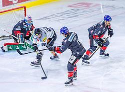 13.09.2019, Tiroler Wasserkraft Arena, Innsbruck, AUT, EBEL, HC TWK Innsbruck Die Haie vs Dornbirn Bulldogs, 1. Runde, im Bild v.l. Connor James Motte (HC TWK Innsbruck Die Haie), Juhani Timo Tapio Tamminen (Dornbirn Bulldogs), John Lammers (HC TWK Innsbruck Die Haie), Thomas Vallant (HC TWK Innsbruck Die Haie) // during the Erste Bank Eishockey League 1th round match between HC TWK Innsbruck Die Haie and Dornbirn Bulldogs at the Tiroler Wasserkraft Arena in Innsbruck, Austria on 2019/09/13. EXPA Pictures © 2019, PhotoCredit: EXPA/ Stefan Adelsberger