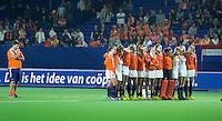 BOOM -  Spanning bij de speelsters van Oranje en bondscoach Max Caldas (l) tijdens de shoot outs bij  de halve finale van het EK hockey tussen de vrouwen van Nederland en Engeland (1-1) Engeland wint na shoot out. ANP KOEN SUYK