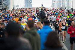 08.04.2019, Wien, AUT, Vienna City Marathon 2019, im Bild Feature Läufer auf der Reichsbrücke // during Vienna City Marathon 2019, Vienna, Austria on 2019/04/08. EXPA Pictures © 2019, PhotoCredit: EXPA/ Michael Gruber