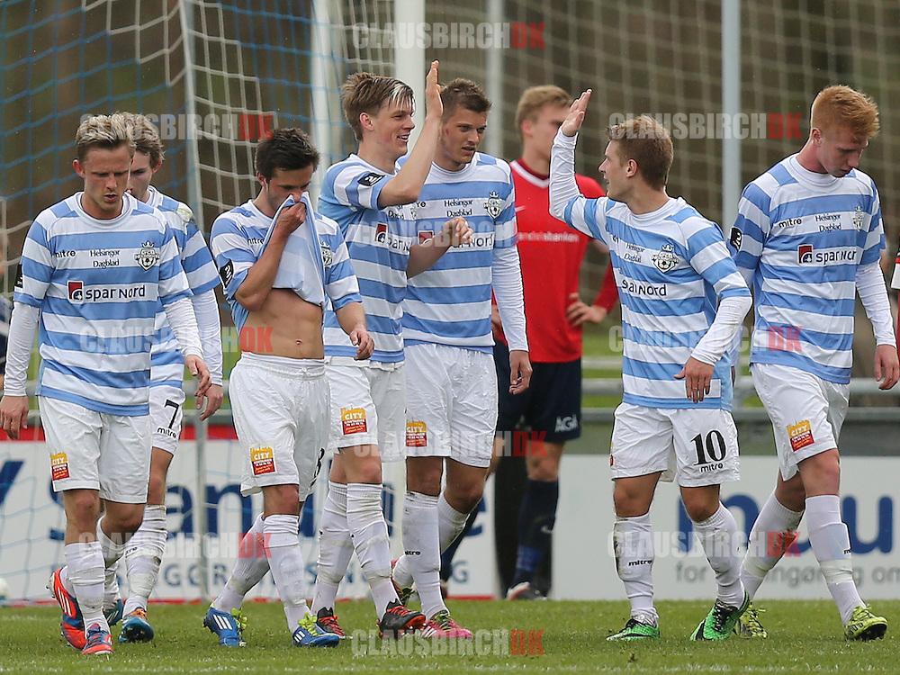 Jublende FC Helsingør-spillere efter målet til 2-0.
