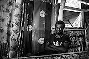 NOUVELLE CALEDONIE, HIENGHENE, Tipindje - Portrait de Michel THY, Cultivateur d'Igname - Aout 2013