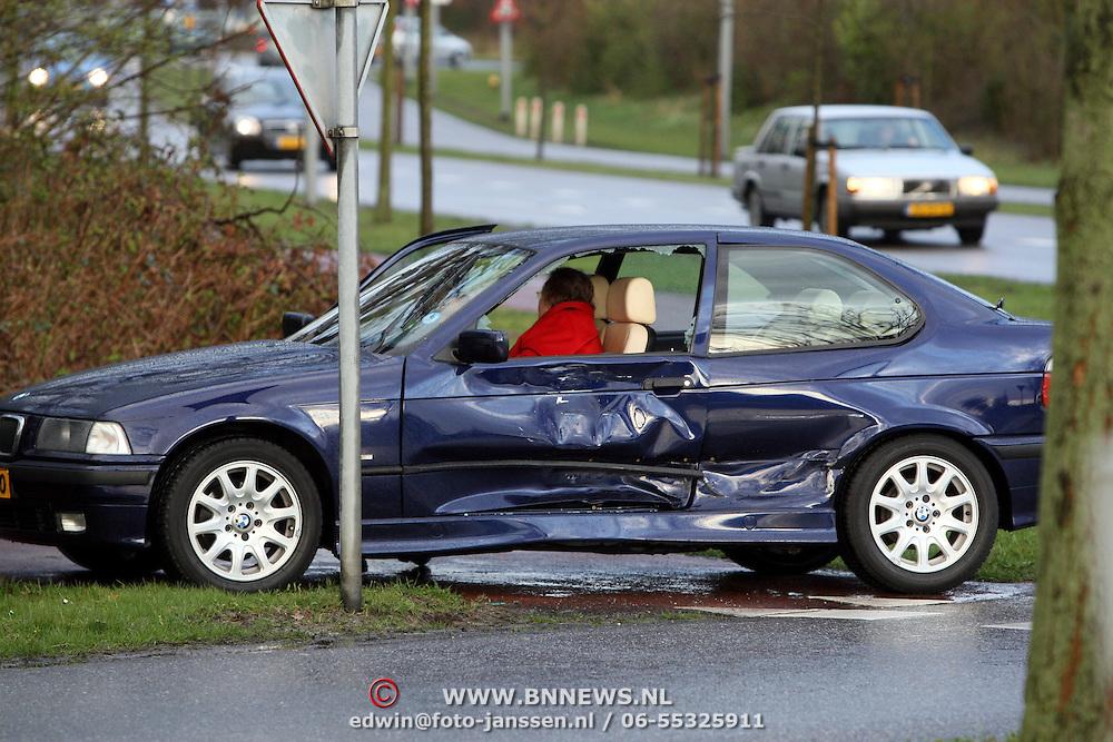 NLD/Huizen/20080318 - Ongeval met beknelling Blaricummerstraat - Randweg Huizen
