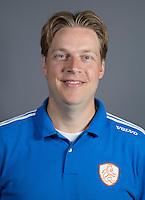 EINDHOVEN - Video-operator FRANK WIJBENGA van Jong Oranje Dames, dat het WK in Duitsland zal spelen. COPYRIGHT KOEN SUYK