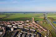 Nederland, Utrecht, Gemeente Amersfoort, 03-10-2010; torenflat La Balise aan het begin van de nieuwbouwwijk Nieuwland, op de grens van het landelijk gebied van Polder Zeldert. Rechts autosnelweg A1, richting Gooi..La Balise skyscraper at the beginning of the new district Nieuwland, on the border of the rural area of Polder Zeldert. .luchtfoto (toeslag), aerial photo (additional fee required) foto/photo Siebe Swart