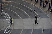 Nationale Dodenherdenking 2021 vanaf de Dam in Amsterdam met Koning Willem-Alexanderen en Koningin Maxima . De Dam is vanwege de coronamaatregelen niet toegankelijk voor publiek. FOTO: Brunopress/POOL/Peter de Jong<br /> <br /> National Remembrance Day 2021 from Dam Square in Amsterdam with King Willem-Alexander and Queen Maxima. Due to the corona measures, Dam Square is not accessible to the public because of de COVID.
