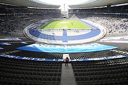 10.04.2010, Olympiastadion Berlin, GER, 1.FBL, Hertha BSC Berlin vs VfB Stuttgart im Bild Die leere Ostkurve EXPA Pictures © 2010, PhotoCredit: EXPA/ nph/  Hammes / SPORTIDA PHOTO AGENCY
