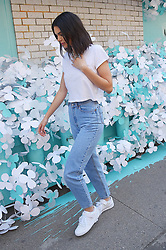 May 4, 2018 - New York City, New York, USA - 5/3/18.Kendall Jenner is seen on the set of a photo shoot in New York City..(NYC) (Credit Image: © Starmax/Newscom via ZUMA Press)