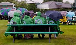 TENNIS: Wimbledon 2011, Damen, London, 21.06.2011<br /> Illustration, Regen, Wetter<br /> © pixathlon