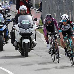 18-04-2021: Wielrennen: Amstel Gold Race women: Berg en Terblijt: Grace Brown: Pauliena Rooijakkers