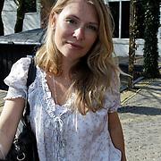 NLD/Amsterdam/20100414 - Uitreiking Mama van het Jaar 2010, Elle van Rijn en kinderen Helena Elisabeth, Katelijne