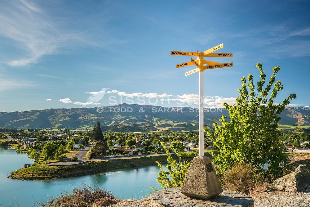 Cromwell Lookout, Lake Dunstan, South Island, New Zealand - stock photo, canvas, fine art print
