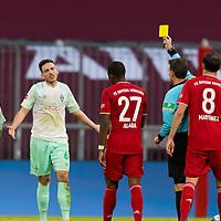 21.11.2020, Allianz Arena, Muenchen, GER,  FC Bayern Muenchen SV Werder Bremen <br /> <br /> <br />  im Bild gelbe karte fuer Kevin Moehwald (SV Werder Bremen #6) mit David Alaba (FCB #27) Javi Martinez (FCB #8) Leonardo Bittencourt (SV Werder Bremen #10) <br /> <br /> <br /> <br /> Foto © nordphoto / Straubmeier / Pool/ <br /> <br /> DFL regulations prohibit any use of photographs as image sequences and / or quasi-video.