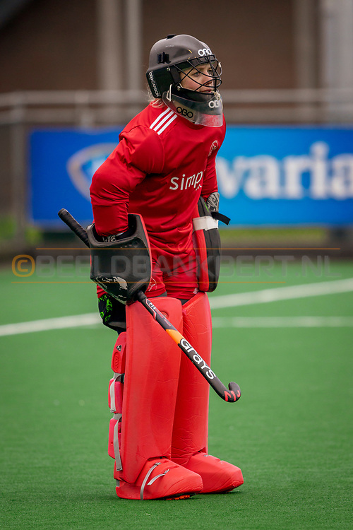 LAREN -  Hockey Hoofdklasse Dames: Laren v Pinoké, seizoen 2020-2021. Foto: Kiki Gunneman 1 (Pinoké, keeper)