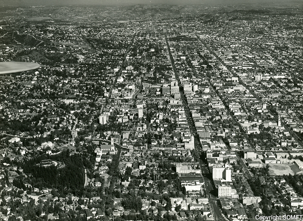 1930 Looking east at Hollywood