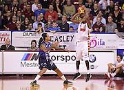 DESCRIZIONE : Venezia campionato serie A 2013/14 Reyer Venezia EA7 Olimpia Milano <br /> GIOCATORE : Donell Taylor<br /> CATEGORIA : tiro three points controcampo<br /> SQUADRA : Reyer Venezia<br /> EVENTO : Campionato serie A 2013/14<br /> GARA : Reyer Venezia EA7 Olimpia<br /> DATA : 28/11/2013<br /> SPORT : Pallacanestro <br /> AUTORE : Agenzia Ciamillo-Castoria/A.Scaroni<br /> Galleria : Lega Basket A 2013-2014  <br /> Fotonotizia : Venezia campionato serie A 2013/14 Reyer Venezia EA7 Olimpia  <br /> Predefinita :