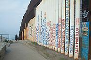 Nomi di messicani deceduti a causa (diretta o indiretta) della frontiera.
