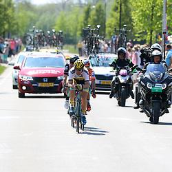 07-05-2016: Wielrennen: Giro: Nijmegen<br />NIJMEGEN (NED) wielrennen <br />Tussen Arnhem en Nijmegen reden de renners de eerste etappe van de 99e Giro Italia.  Maarten Tjallingi in de vlucht vna de dag