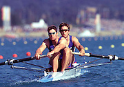 Sydney, AUSTRALIA, GBR Men's coxless pair L to R Greg Searle and Ed Coode,.Sun Heats 2000 Olympic Regatta, Penrith Lakes. [Photo Peter Spurrier/Intersport Images] 2000 Olympic Regatta Sydney International Regatta Centre (SIRC) 2000 Olympic Rowing Regatta00085138.tif