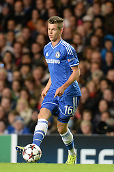 18.09.2013, Stamford Bridge, London, ENG, UEFA Champions League, FC Chelsea vs FC Basel, Gruppe E, im Bild Chelsea's Marco van Ginkel  during UEFA Champions League group E match between FC Chelsea and FC Basel at the Stamford Bridge, London, United Kingdom on 2013/09/18. EXPA Pictures © 2013, PhotoCredit: EXPA/ Mitchell Gunn <br /> <br /> ***** ATTENTION - OUT OF GBR *****