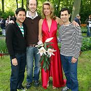NLD/Lisse/20050512 - Frederique van der Wal doopt haar lelie genaamd Frederique's Choice in de Keukenhof, met ontwerpers Percy Irausquin, Jan Taminiau en Angelos Brakis