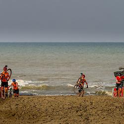 31-01-2021: Wielrennen: WK Veldrijden: Oostende<br />Strijd op het strand van Oostende