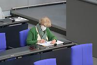 DEU, Deutschland, Germany, Berlin, 23.04.2021: Deutscher Bundestag, Kulturstaatsministerin Prof. Monika Grütters (CDU) in der Debatte zum Antrag von Bündnis 90/Die Grünen zur besseren Absicherung von Solo-Selbstständigen in der Kultur- und Kreativwirtschaft.