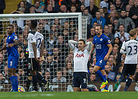 Football - 2016 / 2017 Premier League - Tottenham Hotspur vs. Leicester City<br /> <br /> Vincent Janssen of Tottenham holds his head in his hands after his shot goes just wide at White Hart Lane.<br /> <br /> COLORSPORT/DANIEL BEARHAM