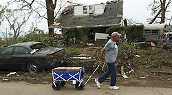 May 29, 2019, Dayton, Ohio, U.S.: TRACY COOPER looks for people to help by handing out pizza around the area that was hit hard from the tornado. (Credit Image: © Ernest Coleman/ZUMA Wire)