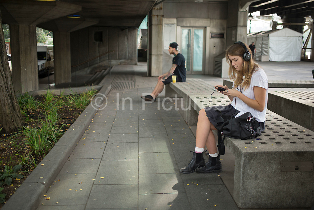 A quiet moment to sit, relax and listen to some music for a while on the concrete benches on the Southbank. The South Bank is a significant arts and entertainment district, and home to an endless list of activities for Londoners, visitors and tourists alike.