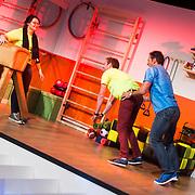 NLD/Amsterdam/20140415 - Presentatie Alles Mag op Vrijdag, Gerard Joling speelt een spel