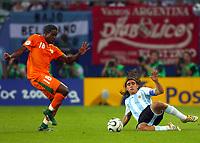 Fotball<br /> VM 2006<br /> Foto: DPPI/Digitalsport<br /> NORWAY ONLY<br /> <br /> Argentina v Elfenbenskysten<br /> <br /> FOOTBALL - WORLD CUP 2006 - STAGE 1 - GROUP C - ARGENTINA v IVORY COAST - 10/06/2006<br /> <br /> JUAN PABLO SORIN (ARG) / KADER KEITA (IVO)