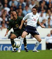 Fotball<br /> Premier League 2004/05<br /> Tottenham v Norwich<br /> White Hart Lane<br /> 12. september 2004<br /> Foto: Digitalsport<br /> NORWAY ONLY<br /> Robbie Keane<br />Tottenham Hotspur<br /> Craig Fleming Norwich City
