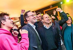 25.02.2018, Innsbruck, AUT, Landtagswahl in Tirol 2018, im Bild v.l.: Spitzenkandidat Dominik Oberhofer (NEOS), Bundesparteichef Matthias Strolz (NEOS) während der Wahlfeier der NEOS // celebrate after the State election in Tyrol 2018. Innsbruck, Austria on 2018/02/25. EXPA Pictures © 2018, PhotoCredit: EXPA/ JFK