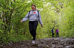 03-05-2015 BEL: BvdGF Outdoorkamp 2015, Dinant<br /> Achttien jongeren van 18 t/m 23 jaar beleven een avontuurlijk kamp in de Belgische Ardennen. Onder begeleiding van een arts, twee diabetesverpleegkundigen en Bas van de Goor gaan ze uitdagende activiteiten aan en ervaren ze wat het effect hiervan op hun diabetes is. Vandaag de dag van lopen en kano.