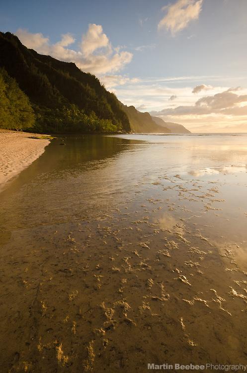 Ke'e Beach and the Na Pali Coast, Kauai, Hawaii