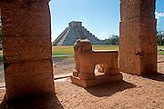 MEXICO, MAYAN, YUCATAN Chichén Itzá; altar in Temple of Jaguars