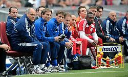 25-04-2010 VOETBAL: AJAX - FEYENOORD: AMSTERDAM<br /> De eerste wedstrijd in de bekerfinale is gewonnen door Ajax met 2-0 / Martin Jol en Danny Blind<br /> ©2010-WWW.FOTOHOOGENDOORN.NL
