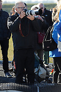 DE HOLLANDSE100 by LYMPH & CO op FlevOnice te Biddinghuizen. Een duatlon bestaande uit twee onderdelen: schaatsen en fietsen. Het evenement wordt georganiseerd om geld op te halen voor Lymph&Co dat zich inzet tegen lymfklierkanker.<br /> <br /> Op de foto:  mr Pieter van Vollenhoven