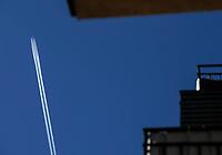Bialystok, 05.04.2020. Wyludnione ulice Bialegostku podczas epidemii koronawirusa w kwietniowa niedziele handlowa N/z pasazerski samolot odrzutowy nad miastem fot Michal Kosc / AGENCJA WSCHOD