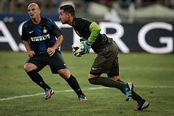 Bari (BA) 21.07.2012 - Trofeo Tim 2012. Inter - Juventus. Nella Foto: Storari (J) e Cambiasso (I)