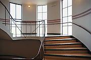 Nederland, Nijmegen, 25-4-2010Licht valt door een raam in een trappenhuis van een gebouw, concertzaal de Vereeniging.associatie.Light falls through a window in a stairwell of a building.Association.Foto: Flip Franssen/Hollandse Hoogte