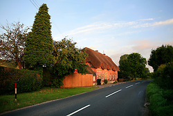 UK ENGLAND WILTSHIRE 26JUN08 - Thatched roof house near Dunsford Mill by the river Kennet near Stichcoombe in rural Wiltshire, western England...jre/Photo by Jiri Rezac / WWF UK..© Jiri Rezac 2008..Contact: +44 (0) 7050 110 417.Mobile:  +44 (0) 7801 337 683.Office:  +44 (0) 20 8968 9635..Email:   jiri@jirirezac.com.Web:     www.jirirezac.com..© All images Jiri Rezac 2008 - All rights reserved.