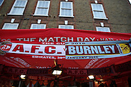 Arsenal vs Burnley FA Cup half in half scarfs for sale outside Emirates Stadium before k/o. The Emirates FA cup, 4th round match, Arsenal v Burnley at the Emirates Stadium in London on Saturday 30th January 2016.<br /> pic by John Patrick Fletcher, Andrew Orchard sports photography.