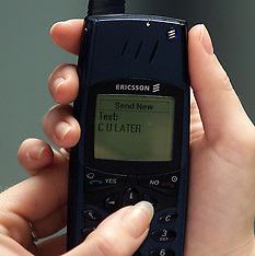 Texting on old phone 2000